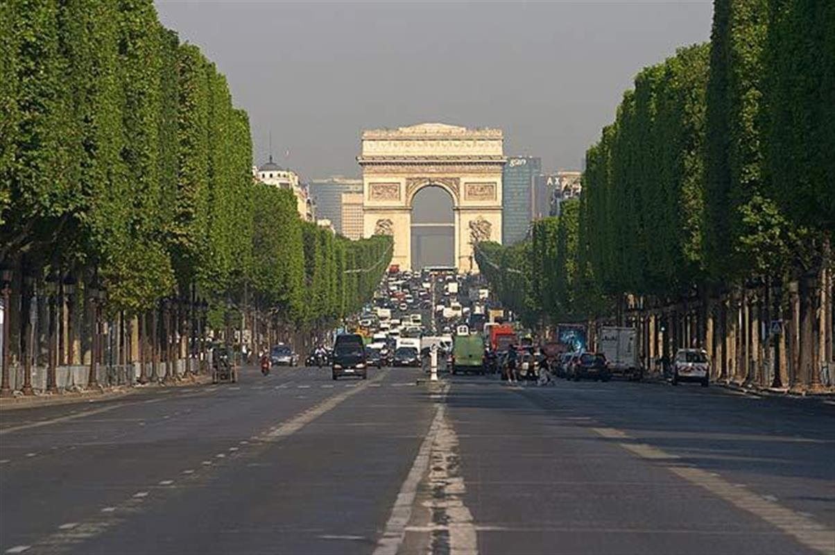 Top 10 reasons why you must keep visiting paris - H m les champs elysees ...