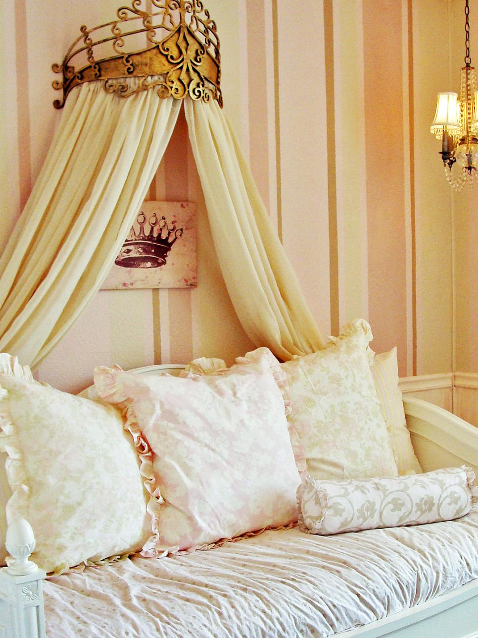 33 cute and simple shabby chic bedroom decorating ideas for Cute easy bedroom designs