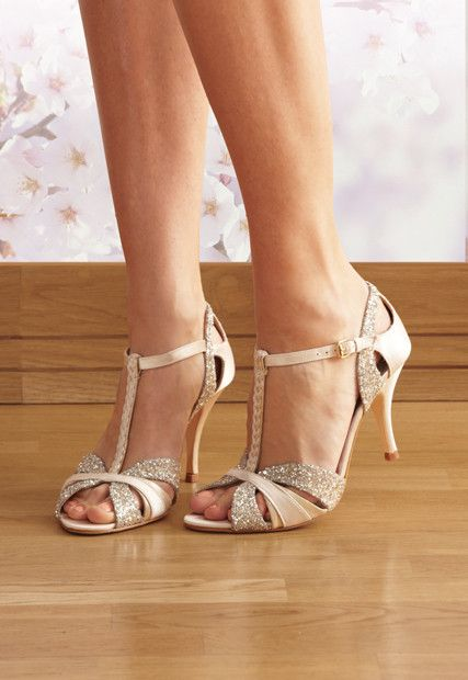 25 Fabulous Wedding Shoes For Brides To Look Elegant