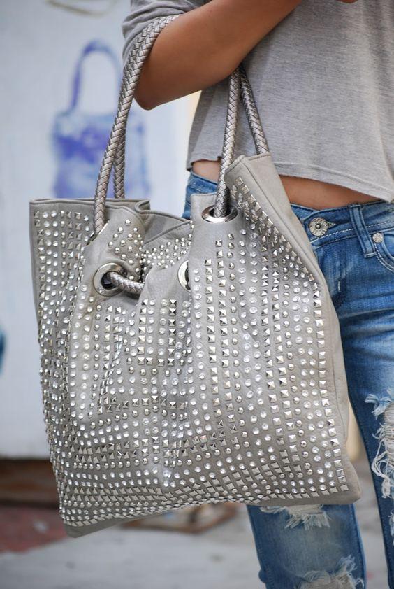 25 Latest Handbags Designs For Ladies Who Love Fashion