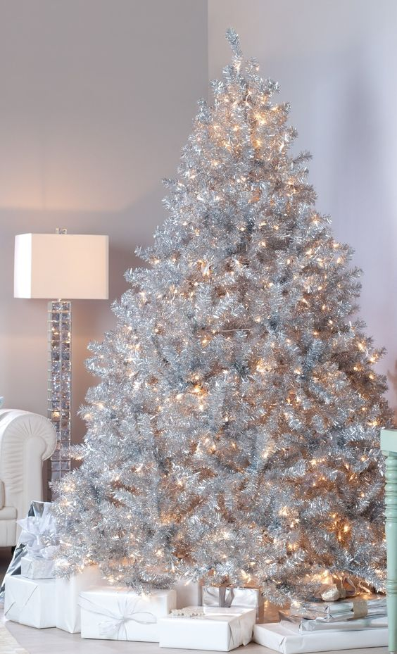 37 awesome silver and white christmas tree decorating for Christmas tree with red and silver decorations