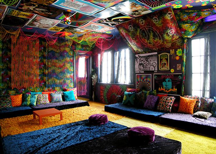 40 beautiful pictures of bohemian style to decorate your for Hippie living room ideas