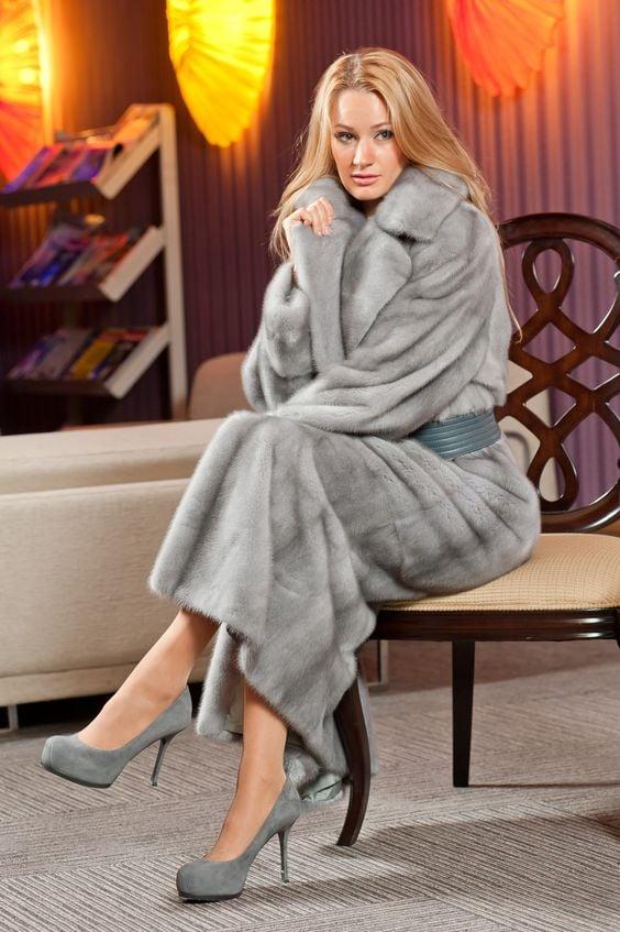 50 Chic FallWinter Fur Coats Ideas EcstasyCoffee