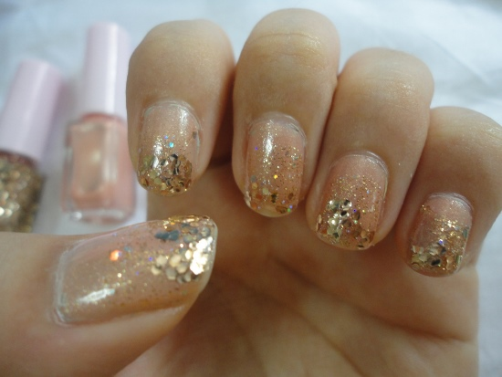40 Best Examples Of Gold Glitter Nail Polish Art Just For You Ecstasycoffee