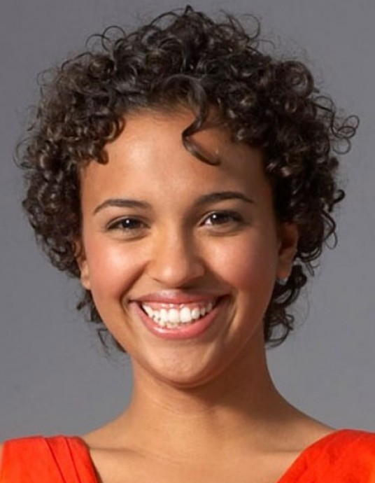 50 cute short curly hairstyles for black woman »
