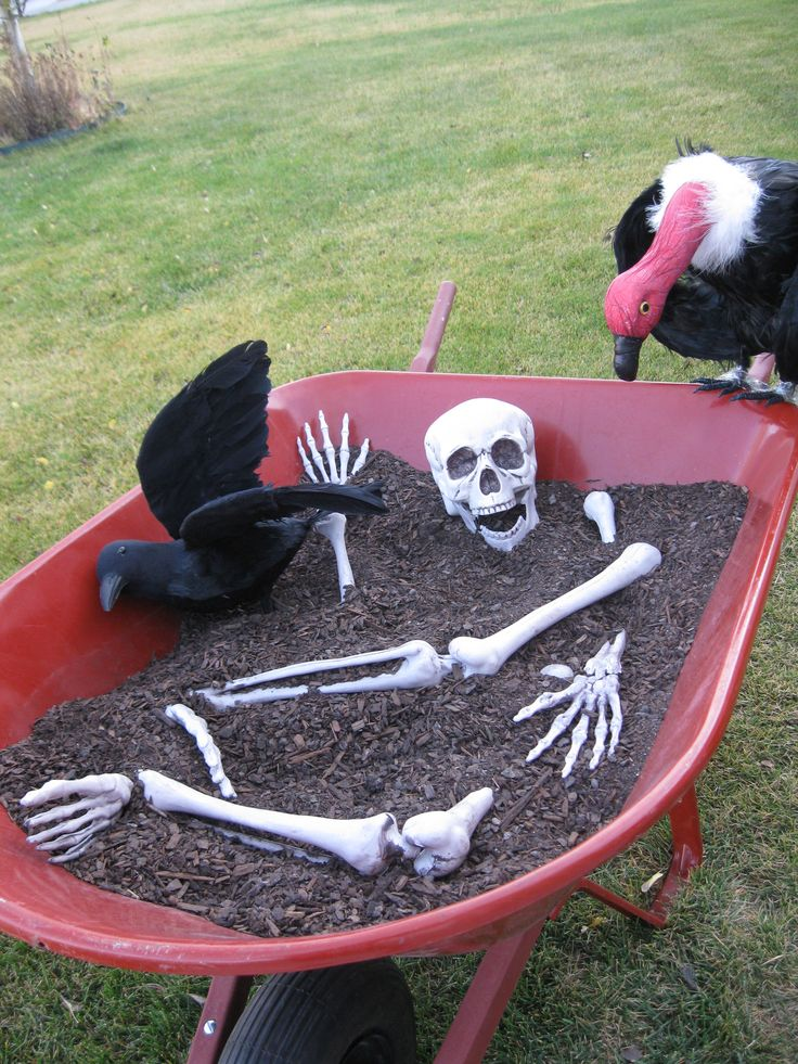 30 awesome diy halloween outdoor decorations ideas for Outdoor halloween decorations images