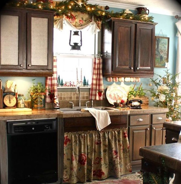 Kitchen Decorations. 1940s christmas kitchen  45 Cute Creative Kitchen Decorating Ideas for Christmas
