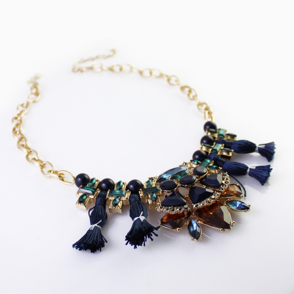 30 statement necklace styles and trends for 2017 for Jewelry trends 2017 summer