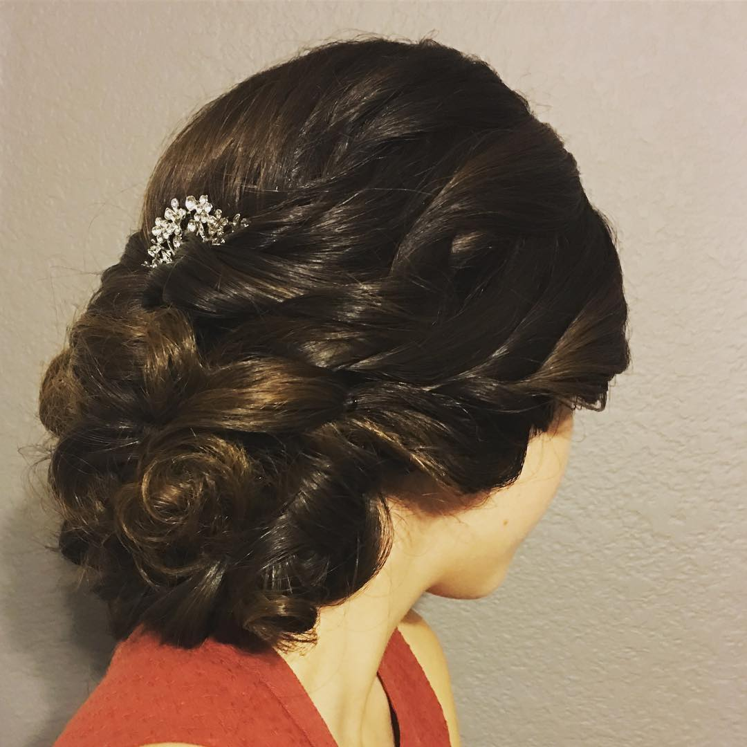 30 chic and cute homecoming hairstyles ideas for women to try now