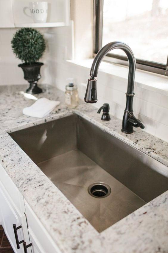 Cool Kitchen Sink Ideas To Make Kitchen Washing Task Simplistic